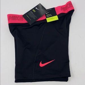 Nike victory shorts 5 inch black pink